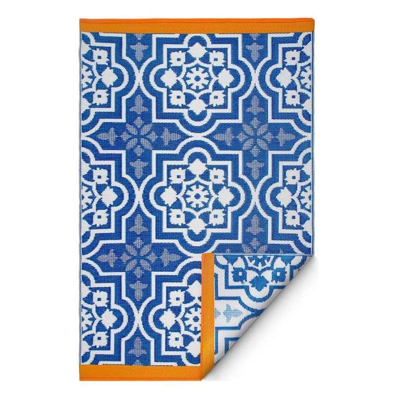 Fab Hab Outdoorteppich Puebla Blue aus recyceltem Plastik blau/weiß 180x270 cm